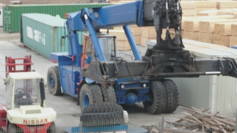 Stivuitor containere - reach stacker